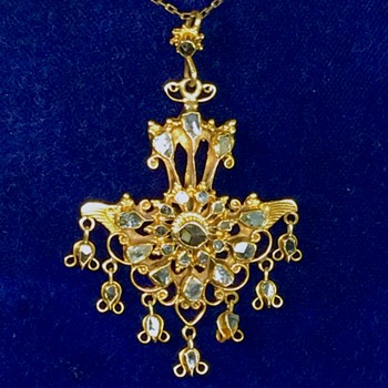 Rare Antique Rose Cut Diamond Harem Diamond Dangle  18k Necklace  - Fine Jewelry