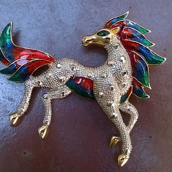 BIG Enameled Horse Brooch Flea Market Find $6.00 - Costume Jewelry