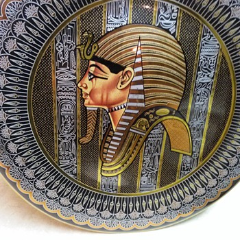 KING TUT WALL PLAQUE - Fine Art