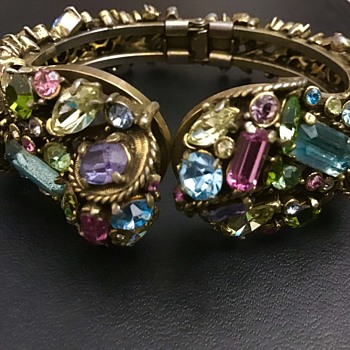 Hollycraft Bracelet - Costume Jewelry