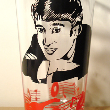 John Lennon glass...1964... - Music Memorabilia