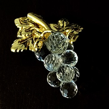 Swarovski grape cluster brooch - Costume Jewelry