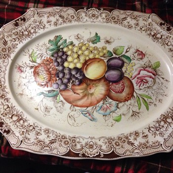 Im wondering if yall can tell me how much this is worth and more info thank you  - China and Dinnerware