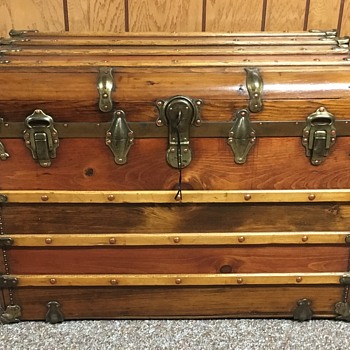 Langmuir maybe ? 1910-1920 monitor/ waterfall trunk. - Furniture