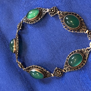 Gorgeous Antique (Edwardian?) Chrysoprase and silver filigree bracelet unmarked - Fine Jewelry