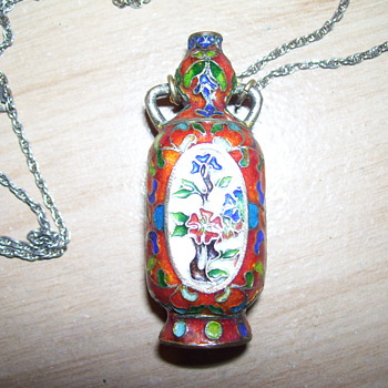 asian vase necklace
