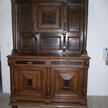 Lions closet - Furniture