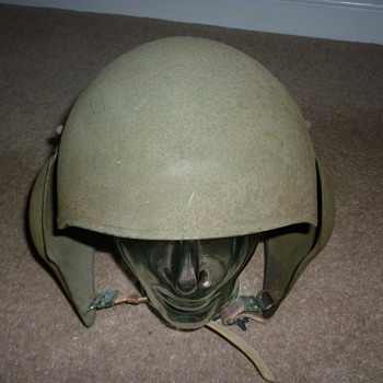 WWII US Army Air Corps M-5 Bomber Crew Flak Helmet  - Military and Wartime