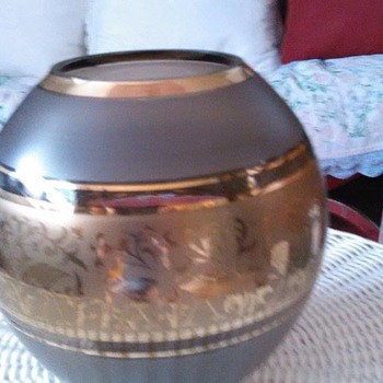 vintage antique gold globe with birds on it? - Art Glass
