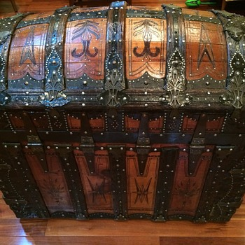 Saratoga Trunk ( Abe Foot manufacturer) 1890s ( refinished) - Furniture