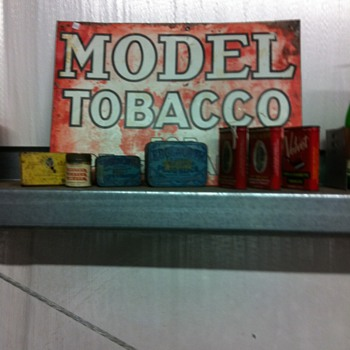 Tobacco signs,Old Schlitz can - Tobacciana