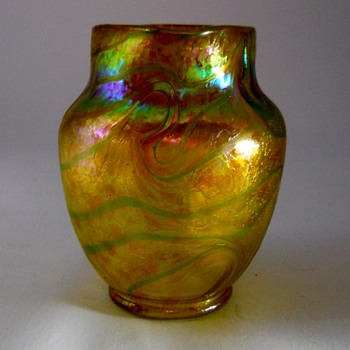Fritz Heckert/Otto Thamm, Gold Siberband (Changeant), 1900-05  - Art Glass