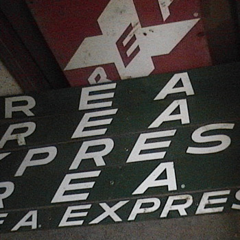 REA Express - Signs