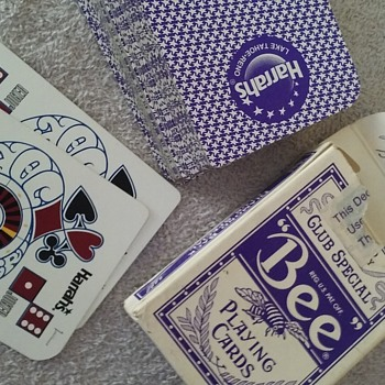 deck of HARRAH'S CASINO playing cards with a curious notation - Cards
