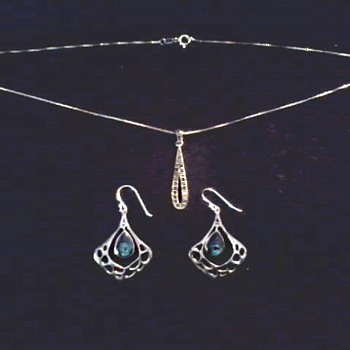 Sterling Silver .925 Pendant and Ear Rings / Circa 20th Century - Fine Jewelry