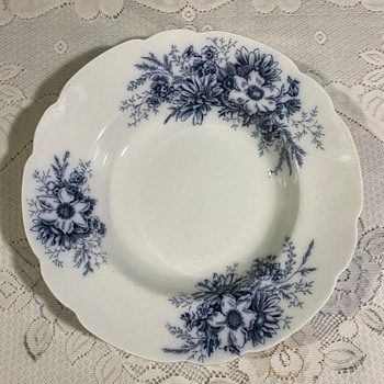 galle plate Johnson Bros England  - China and Dinnerware