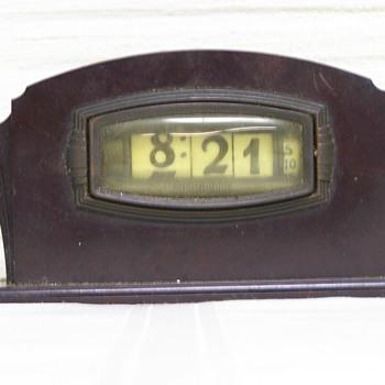 1933-35 Pennwood BakeLite Numechron Model 12A, The Leonis
