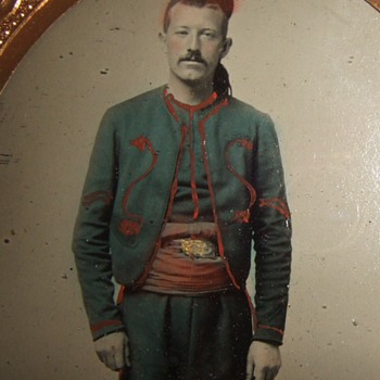 Tinted tintype of Hawkins' Zouave (9th NY Infantry) - Military and Wartime