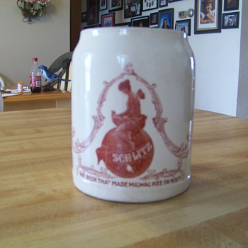 Schlitz Mug of Unknown Origin Found at Auction - Breweriana