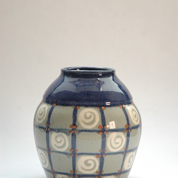 smalll art deco elchinger pottery vase-) - Art Deco