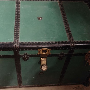 Heirloom Trunk - any suggestions on age, make etc? - Furniture