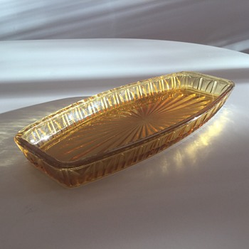 CROWN CRYSTAL SANDWICH TRAY 7517 in Amber - Glassware