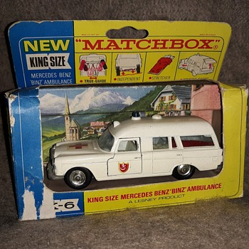 Mega Modern Medicine Matchbox Monday K-6 Mercedes Ambulance 1967-1968 - Model Cars