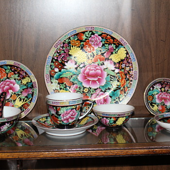 Hello I would like to know the pattern of this handmade Chinese set - China and Dinnerware