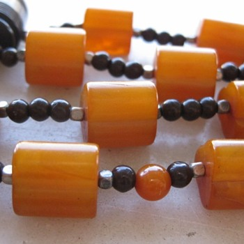 Butterscotch swirl bakelite necklace - Costume Jewelry