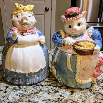 Pig cookie jar puzzle. - Kitchen