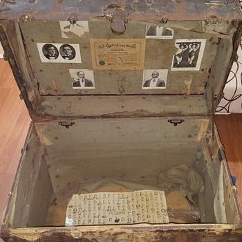 CA Taylor 1904 trunk - Furniture