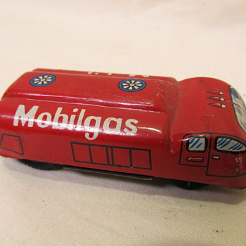 Elvin Japan Vintage  Tin  Mobilgas  Advertisement Friction - Toys