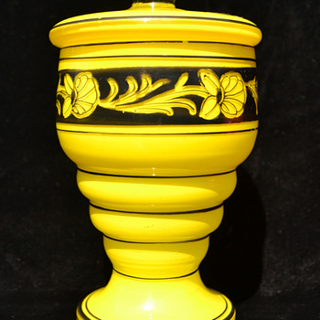 decorated yellow jar - Art Glass