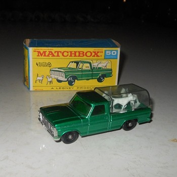 mmmMatchbox Monday MB 50 Ford Kennel Truck - Model Cars