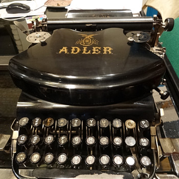 Old Typewriter Adler n°7 in very good condition