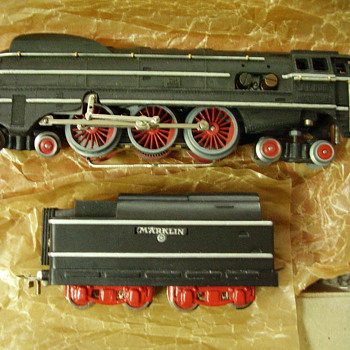 Some older SK800 steam engines from my Marklin HO guage collection. - Model Trains