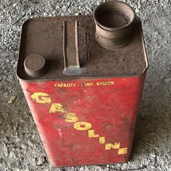 Gasoline metal can. - Petroliana