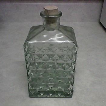 ALBI GLASS DECANTER - Bottles
