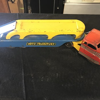 Wyandotte's toy auto transport  - Model Cars