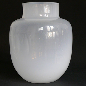 mouldblown translucent lattimo vase - Art Glass