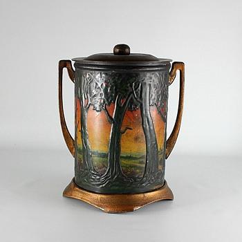 Art Nouveau Biscuit Tin - Art Nouveau