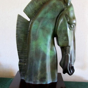 Mystery Horse Bust - Animals