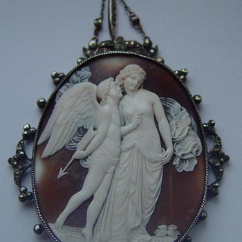 Fabulous cameo of Eros and Psyche - Fine Jewelry