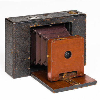 Blair Tourist Hawkeye Camera.  1898 - 1904 - Cameras