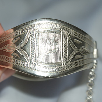 Handmade Engraved Hinged Bracelet - Costume Jewelry
