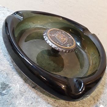 large DE PAUL UNIVERSITY glass ashtray - Tobacciana