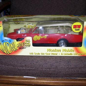 THE HEY HEY IT'S THE MONKEES MOBILE AMERICAN MUSCLE 1:18 SCALE - Model Cars