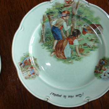 Oriental Germany set of porcelain plates for a child 1950 - China and Dinnerware