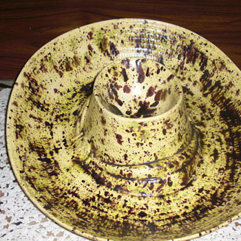 Art pottery cowboy hat?? - Pottery