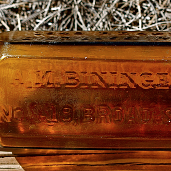 <<<<-A. M. BININGER & Co.->>>> - Bottles